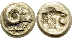 IONIA. Phokaia. EL Hekte (Circa 625/0-522 BC).Obv: Head of boar left; below, small seal left.Rev: Incuse square punch.Bodenstedt 14.RareCondition: Good very fine.Weight: 2.63 g.Diameter: 10 mm.