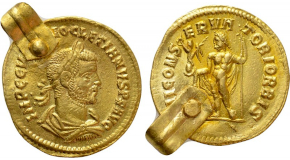 BASIL I THE MACEDONIAN with CONSTANTINE (867-886). GOLD Solidus. Constantinople. Obv: + IҺS XPS RЄX RЄGNANTIЧM ✷.Christ Pantokrator seated facing on throne.Rev: ЬASILIOS ЄT COҺSTAҺT AЧGG Ь.Crowned facing busts of Basil and Constantine, holding between them a patriarchal cross. Sear 1704. Condition: Good very fine. Weight: 4.47 g.Diameter: 20 mm.